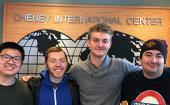 华盛顿大学国际学生与国内学生建立联系