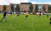威斯康星大学教授将盖尔足球引入他们的课堂